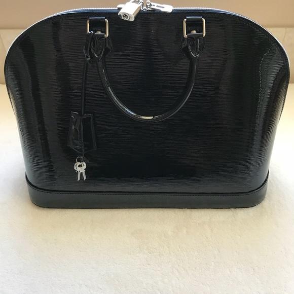 6c68662fde8 Louis Vuitton Handbags - Louis Vuitton Alma MM EPI NOIR ELECTRI